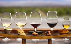 wine-food-pairing-glasses-food